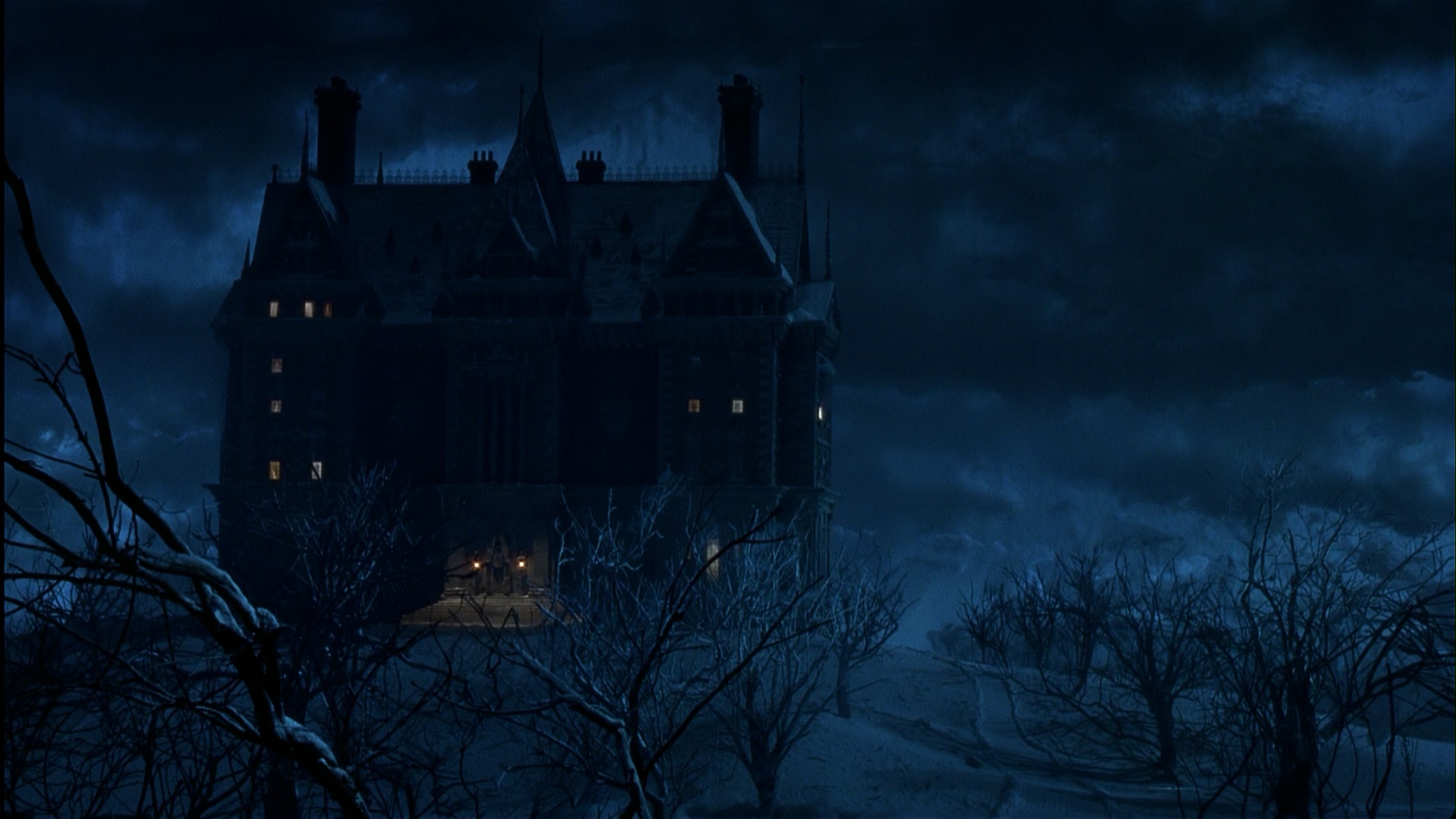 Batman online gallery wayne manor from batman returns for Www the house com returns